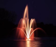 fountain-nozzles_select_fleur_de_lys_7.5hp_amber_night.jpg