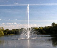 floating-fountains-for-lakes_buckingham_2.jpg